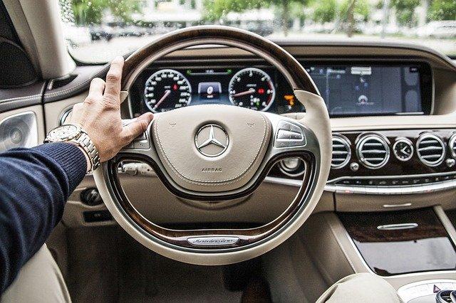 Wynajem długoterminowy a leasing – zakup auta